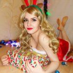 santa-girl-cosplay-3